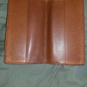 Louis Vuitton Accessories - Louis Vuitton checkbook holder